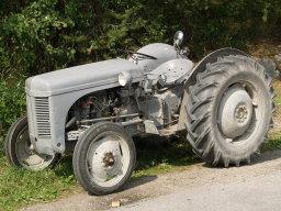 Tommy_Skarpling_tractor1217.jpg
